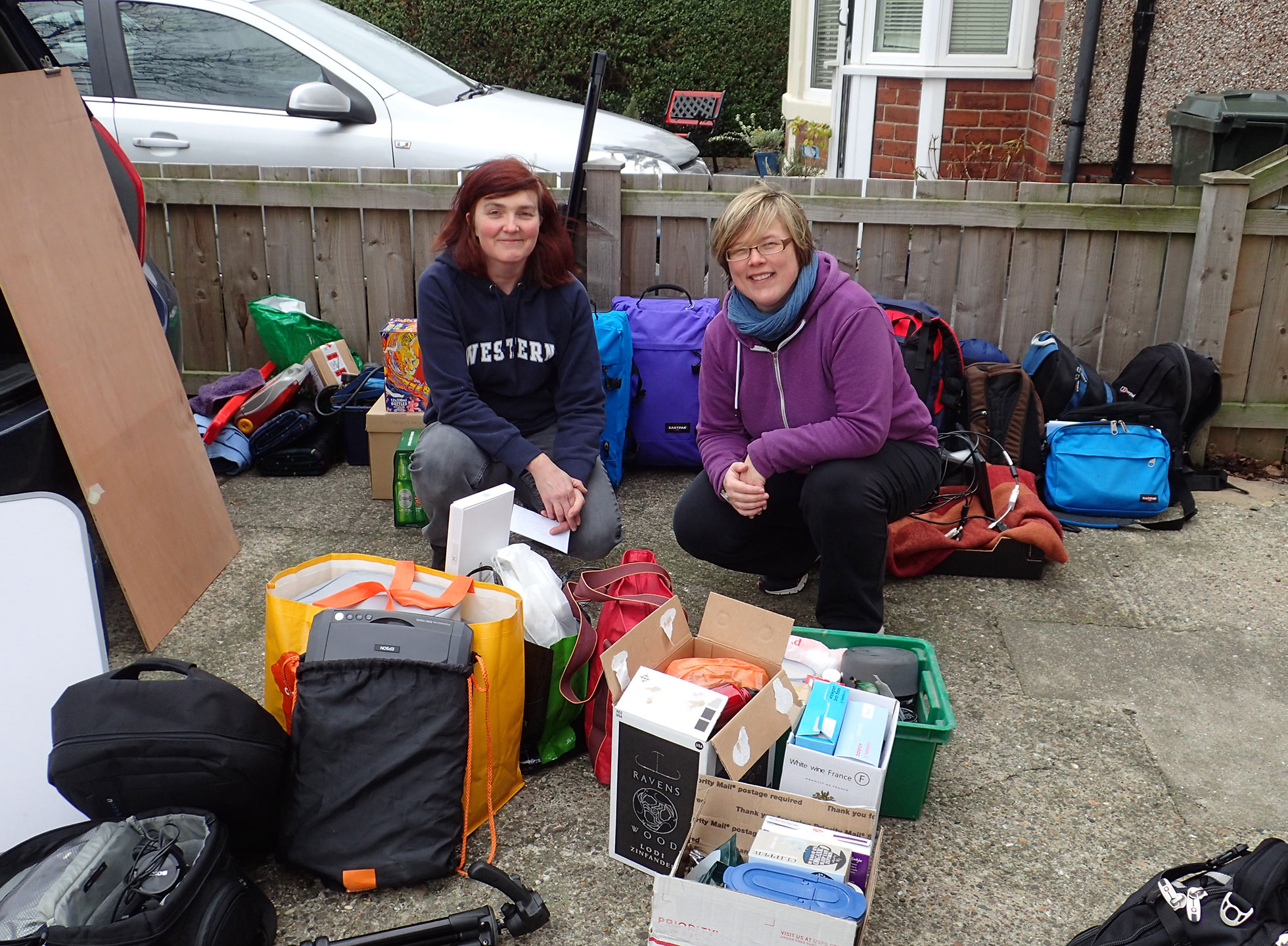 Mel and Lisa packing the car for Beadnell